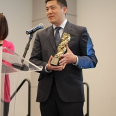 3AF President Edward Chang unveiled the 3AF's Excellence Awards trophy.