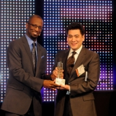 From left to right: Rickey Smiley, Host, the Rickey Smiley Morning Show, and Edward Chang, APartnership.